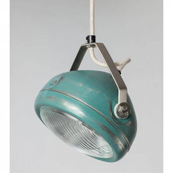 Geschuurde aqua hanglamp van Het Lichtlab met strijkijzersnoer.