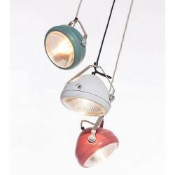 Witte hanglamp van Het Lichtlab met strijkijzersnoer.